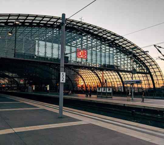 Berlin Merkez Tren İstasyonu (Hauptbahnhof DB)