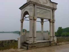 Meriç Köprüsü üzerinde Kitabe Köşkü