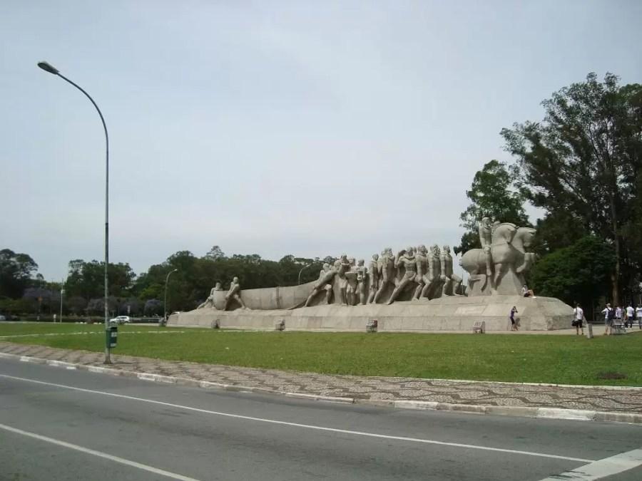 Ibirapuera Parkında Anıt
