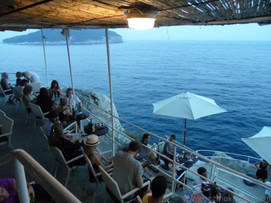 Cafe Buza, Dubrovnik Anıları, Eski Yugoslavya Yollarında