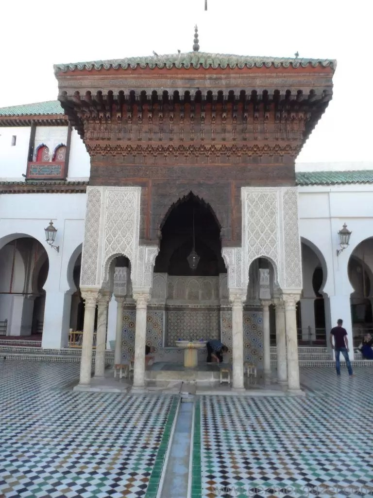 Fas Gezisi Notları, Fes Gezilecek Yerler, Karaouiyine Camii