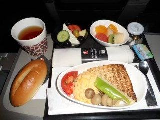 THY Business class iç hat kahvaltı tabağı