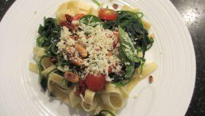 01-verse-spinazie-met-pasta-gereed