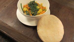 groentecurry met pitabroodjes