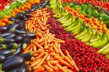 meerdere groenten in een boog