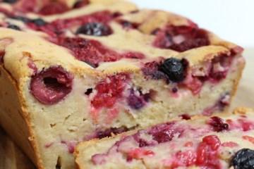 Ricotta cake met zomerfruit
