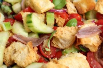 Italiaanse Panzanella salade
