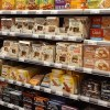 Foto supermarkt met notenrepen