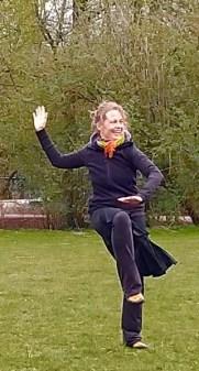 Jeanine-Theunissen-Wereldconditie-Vondelpark,kruisbeweging, Brain Gym, Dansen in park, ontspannen