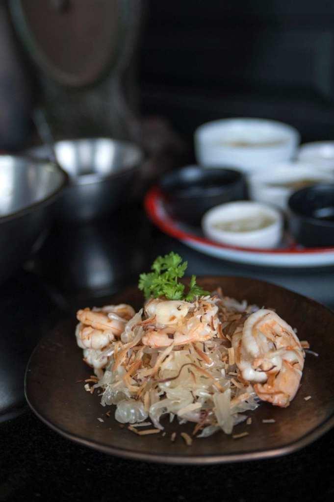 Gluten-Free Yam Som-O (Pomelo Salad with Shrimp) Recipe