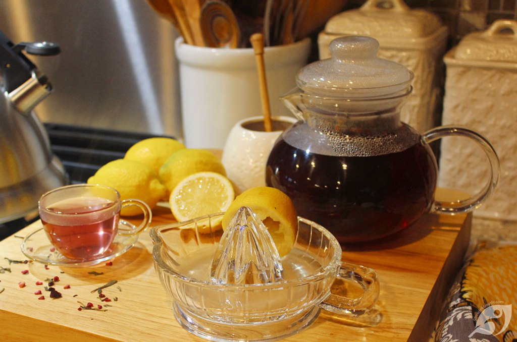 Making Raspberry Green Tea Lemonade