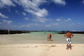 LANZAROTE: Orzola-stranda helt regnes som en av Spanias ti beste strender. Foto: JOHN TERJE PEDERSEN/Dagbladet