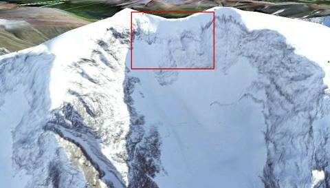 FUNNSTEDET: Havaristedet er mellom Kebnekaises to høyeste punkt. Illustrasjon: Forsvaret