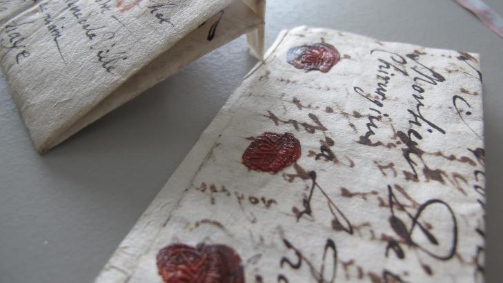 SEGL: De 600 uåpnede brevene skal leses med røntgenteknologi. Foto: Museum voor Communicatie, Haag