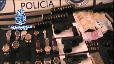 beslag, smykker, klokker, kontanter, spansk politi (Foto: Spansk politi/Reuters)