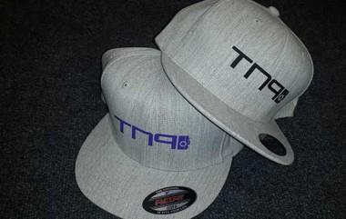 branded-flexifit-peak-caps