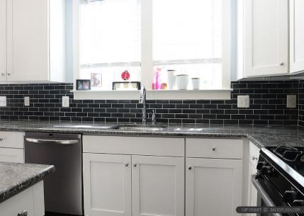 Best 20 Black Kitchen Backsplash - Home Inspiration and ... on Backsplash For Black Granite  id=48576