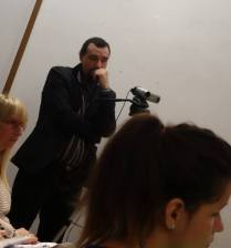 Fabrizio Perino riprende la serata con la videocamera