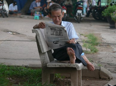 1711 x 11 - newspapers - AP1170329