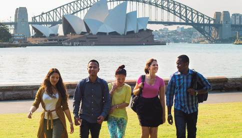 الدراسة في استراليا اختيار جيد .. لكن ماذا عن التكلفة المادية؟!