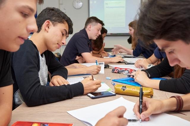 انواع المدارس الثانوية في امريكا
