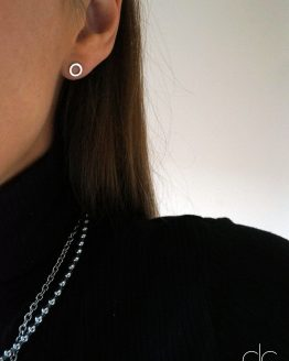 MINIMALIST RHODIUM-PLATED MINI CIRCLE EARRINGS - GG UNIQUE