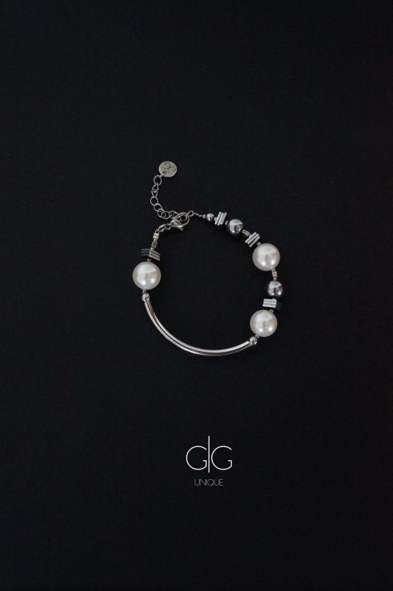 Swarovski pearls, silver hematite stones and stainless steel bracelet GG UNIQUE