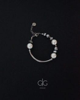 Swarovski pearls, silver hematite stones and stainless steel bracelet GG UNIQUE