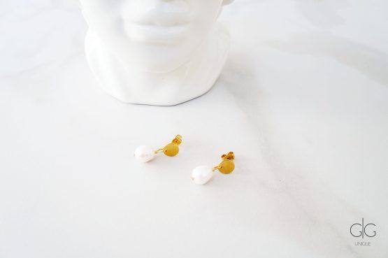 Minimal fresh-water pearls hanging earrings - GG UNIQUE