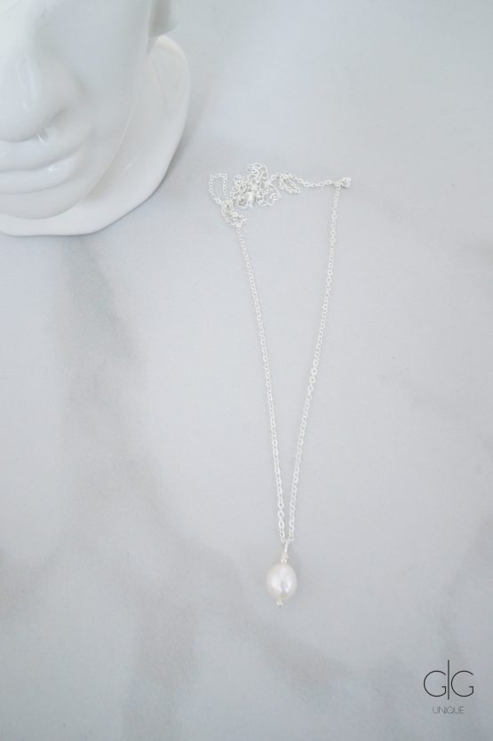 Silver plated minimal necklace with a pearl - GG UNIQUE