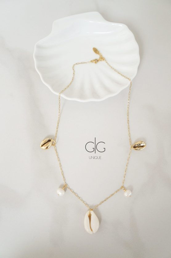 Natural shells and pearls gold plated necklace - GG UNIQUE