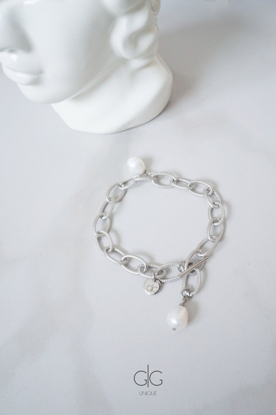 Massive bracelet with freshwater pearls in silver