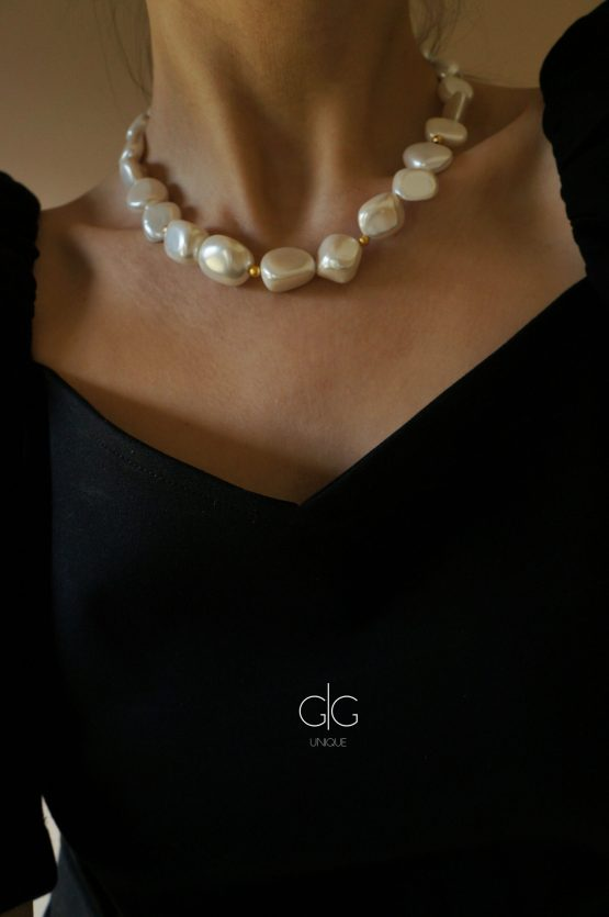 Pearl mass necklace with golden details - GG UNIQUE