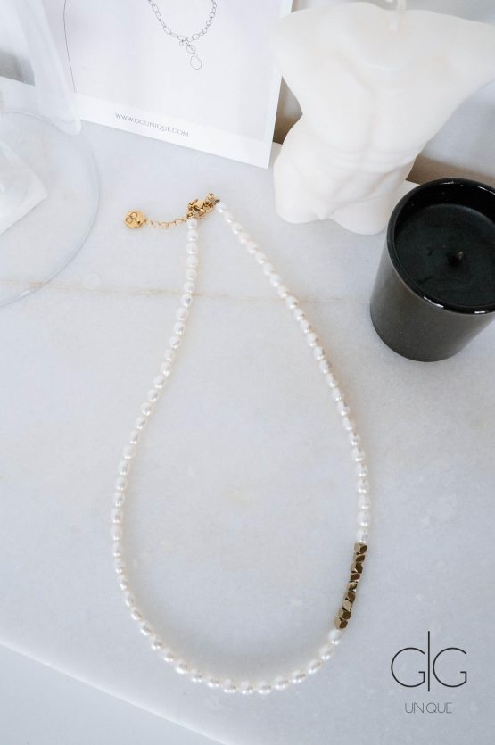 Pearl necklace with golden hematite detail - GG Unique