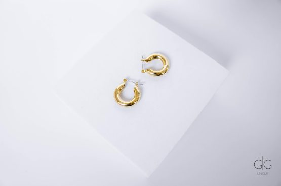 Simple gold plated hoop earrings - GG Unique