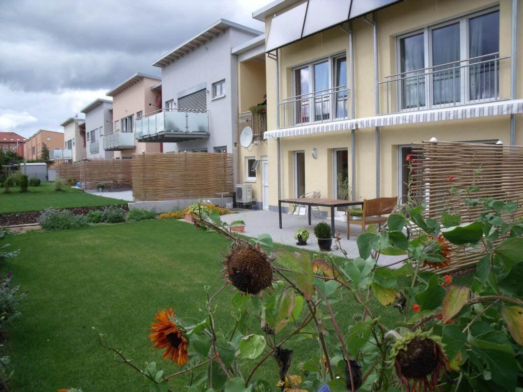 ideen-artengestaltung-sichtschutz-beispiele-reihenhaus