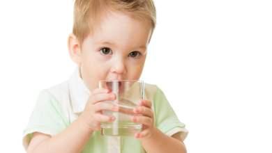 صورة 5 حيل ستجعل طفلك يشرب الماء بسهولة