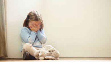 صورة الانتحار عند الأطفال والمراهقين: أسبابه وأعراضه ونصائح لتجنبه