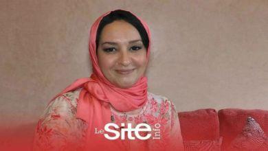 """صورة الوجه الآخر.. الإعلامية عزيزة العيوني تكشف بداياتها وتتحدث عن مسارها المهني بـ """"دوزيم""""- فيديو"""