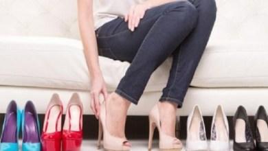 صورة طرق سهلة لتوسيع الحذاء الضيّق