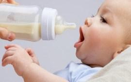 أضرار الرضاعة الصناعية على الرضع