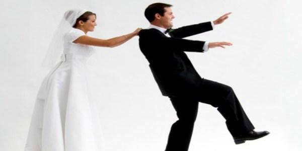 دراسة: أغلبية النساء تتحكمن في أزواجهن