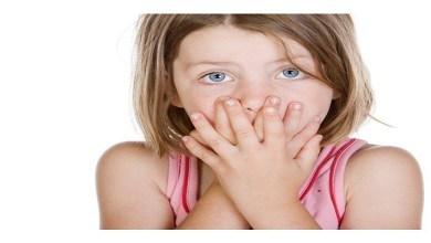 صورة رائحة الفم الكريهة عند الأطفال.. أسبابها وطرق الوقاية منها