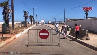 صورة أجواء الفرحة والراحة في شواطئ عين السبع بعد السماح للمواطنين بالإستمتاع بالسباحة – فيديو