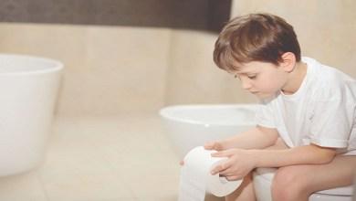 صورة ملف خاص بطرق علاج الإسهال والإمساك عند الأطفال