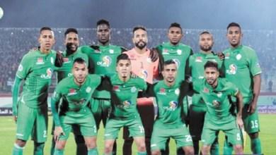 صورة نجوم المغرب يحتفلون بتتويج فريق الرجاء البيضاوي