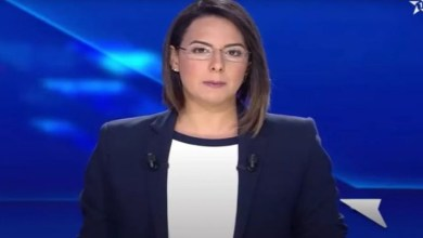 صورة مقدمة قناة الأولى تتعرض للاختناق على الهواء مباشرة- فيديو