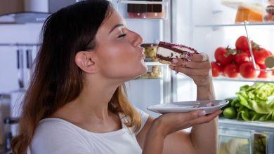 صورة ملف خاص.. أطعمة غذائية تمنع ظهور حب الشباب