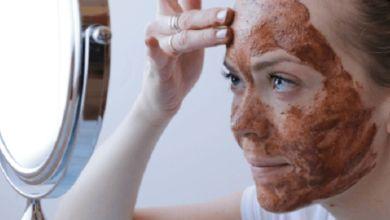 صورة ماسك القرفة واللبن لعلاج حب الشباب