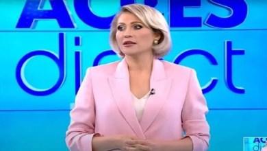 صورة على الهواء مباشرة.. إمرأة عارية تحاول قتل مذيعة – فيديو